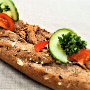 Vegetarbaguette – Pulled asian bbq og majones. 69 kr.